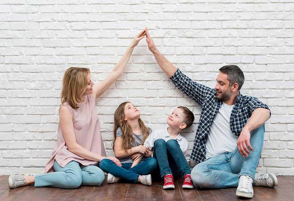 familia en vivienda de alquiler
